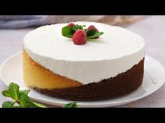 Three colors cake: a genius method to make the best dessert ever! Small Baking Dish, Colorful Cakes, Easy Food To Make, Cake Cookies, Yummy Cakes, Fun Desserts, Cake Recipes, Sweet Treats, Cheesecake