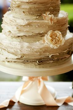 Wedding Cake by Maggie Austin | Jennifer Hughes Photography | See the wedding on #SMP Weddings:  http://www.stylemepretty.com/2013/02/06/virginia-backyard-wedding-from-ritzy-bee-events/