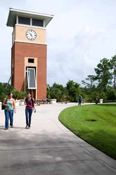 The campus is located just a few miles from the University of Central Florida, making it an ideal choice for students in the College's DirectConnect to UCF Program. http://www.seminolestate.edu/?utm_source=Pinterest_medium=Link_campaign=Virtual%2BTour
