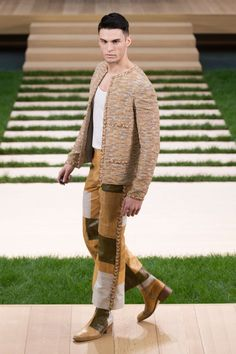 Chanel Haute Couture Spring/Summer 2016 Chanel Men, Mode Chanel, Chanel Fashion, Style Couture, Couture Fashion, Karl Lagerfeld, Kendall Jenner, Karl Otto, Mens Fashion