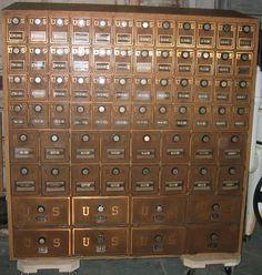 Exceptionnel Antique Post Office Boxes