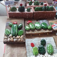 Hisar Okulları#stons#tas# Cactus Painting, Pebble Painting, Pebble Art, Stone Painting, Yard Art Crafts, Rock Crafts, Painted Rock Cactus, Painted Rocks, Stone Cactus