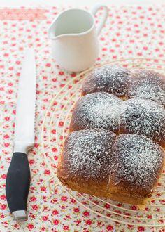 Receta paso a paso para hacer brioche, un pan dulce ideal para el desayuno. Se trata de una receta fácil aunque laboriosa. Descúbrela en Pequereceas. Receta Pan Brioche, Blondie Brownies, Pan Bread, Dessert Bread, Blondies, Healthy Desserts, Cheesecake, Food And Drink, Cupcakes