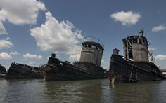 Photos and history of the abandoned Staten Island Boat Graveyard, in Staten Island, NY. Also known as Witte Marine Scrap Yard, Arthur Kill Boat Yard. ..♥.Nims.♥