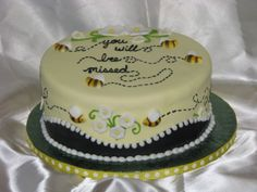 You will bee missed - Made for a co-worker.pressed sugar bees rest is fondant and buttercream Going Away Cakes, Farewell Cake, Retirement Party Favors, Bee Cakes, Cake Boss, Fondant, Mini Cakes, No Bake Desserts, Cake Designs