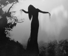 Dark and goth witch queen is goals. Dark Fantasy, Dark Romance, Witch Queen, Show No Mercy, Yennefer Of Vengerberg, Dark Witch, Season Of The Witch, Witch Aesthetic, Death Aesthetic