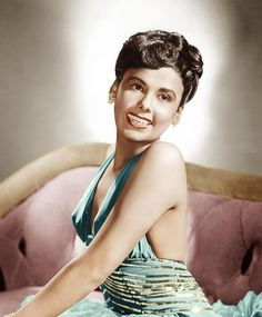 http://images.fineartamerica.com/images-medium-large/lena-horne-mgm-portrait-ca-1940s-everett.jpg