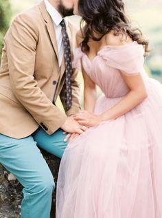 Romantic blush hued anniversary session: http://www.stylemepretty.com/destination-weddings/2015/12/04/marriage-matters-romantic-anniversary-session-at-tuscanys-villa/ | Photography: Olga Plakitina - http://olgaplakitina.com/
