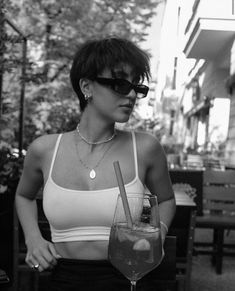 Pixie Hairstyles, Pretty Hairstyles, Haircuts, Shot Hair Styles, Curly Hair Styles, Hair Inspo, Hair Inspiration, Cabelo Inspo, Longer Pixie Haircut