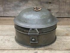 Vintage Spice Tin with Original Nutmeg grater @ www.supervintagedecor.co.uk