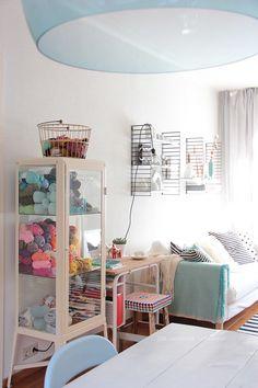 Ikea Vitrinenschrank, Zuhause, Garn Darstellung, Ikea Schränke, Wohnzimmer  Inspiration,