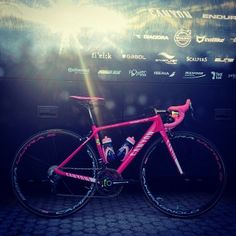Nairo Quintana's pink Canyon Ultimate CF SLX - Giro d'Italia - 2014-->