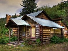Beautiful Old Wooden House | Cabins