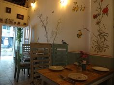 Cute, delicious, not expensive, cozy place for breakfast or lunch