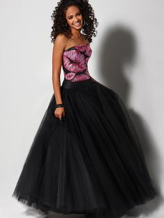 Strapless Floor Length Black Organza Made Quinceanera Ball Gown Dress on  Sale Fantastico ee4262ae3d4
