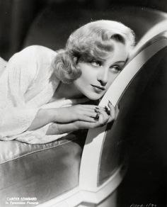 Reflections on Carole Lombard & classic Hollywood Old Hollywood Glamour, Golden Age Of Hollywood, Vintage Hollywood, Hollywood Stars, Classic Hollywood, Hollywood Icons, Vintage Glamour, Vintage Beauty, Vintage Ladies