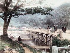1880年代の嵐山 • 渡月橋                                                                                                                                                                                 もっと見る
