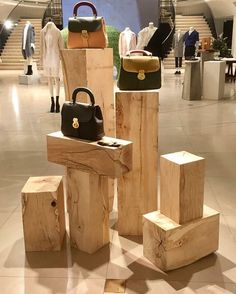 "BURBERRY, London, UK, ""Spring is on it's Way..."", (Touch wood), photo by La Mirada Del Visual, pinned by Ton van der Veer"