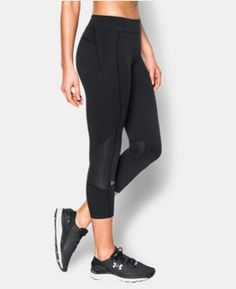 Look at this Under Armour® Black HeatGear® Crop Leggings on today! Workout Capris, Yoga Capris, Workout Gear, Curvy Outfits, Curvy Clothes, Modern Fashion, Under Armour Women, Women's Leggings, Fitness Fashion