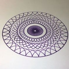 Unique Purple Spirograph Design 💜 - Great Ideas - By: - Easy Mandala Drawing, Simple Mandala, Mandala Art, Hipster Drawings, Art Drawings, Mandala Indiana, Spirograph Art, Watercolor Mandala, Desenho Tattoo