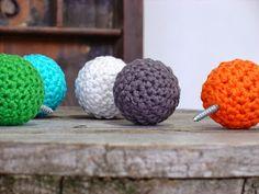 Crocheted wallhooks by etaussi. #knobs #wallhooks #crochet #etaussi #etsy