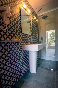 The Bathroom of the renovated Beach Front Bungalows at Xenia Ouranoupolis, Halkidiki,Greece Halkidiki Greece, Great Hotel, Thessaloniki, Bungalows, Hotels, Mirror, Bathroom, Beach, Home Decor