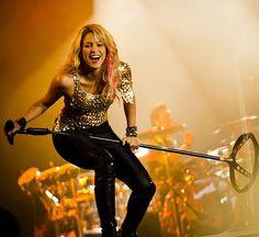 😍 Shakira / Rock in Rio (Brasil 2011 ) Rock In Rio, Famous Girls, Carrie Underwood, Shakira, Celebs, Celebrities, Woman Crush, Mj, Singers