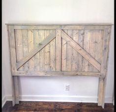 Barndoor headboard. Rustic. Vintage. Bedroom by SycamoreStVintage