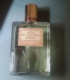 Agua de Colonia Añeja Eau de Cologne Vintage New | spanishoponline.com Glass Bottles, Perfume Bottles, Pinball Games, Retro Packaging, Retro Images, Nostalgia, Spain, Conditioner, Group
