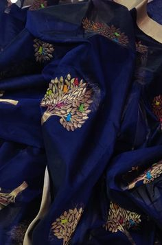 Silk Saree Banarasi, Brocade Saree, Crepe Silk Sarees, Organza Saree, Silk Brocade, Cotton Saree Designs, Silk Saree Blouse Designs, Fancy Blouse Designs, Bridal Blouse Designs