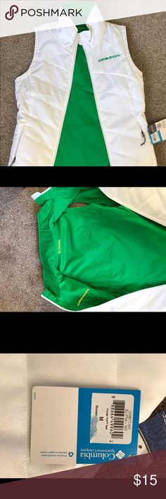Columbia / U of O / reversible vest Medium, Columbia reversible vest. Green on one side and white on the other with the Oregon logo. Never warn, NWT. Columbia Jackets & Coats Vests