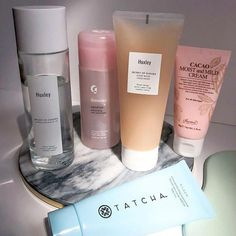 A charming skin care pin routine for that glowing face skin. Kindly visit this flawless pin info 2735108116 here. Gel Eyeliner, Essie Gel Setter, Beauty Care, Beauty Skin, Piel Natural, Skin Care Routine For 20s, Healthy Skin Care, Face Skin Care, Aesthetic Makeup