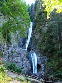 Parcul National Ceahlau | Romania Turistica | 100% Turism Romanesc Turism Romania, Visit Romania, Beautiful Places To Visit, Countries Of The World, Mother Earth, Travel Usa, Croatia, Waterfall, National Parks