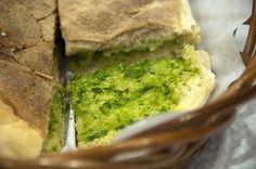 Bolo do Caco: special madeiran bread with garlic butter