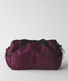 Extra mile duffle in the color black grape a34bf0bedeb6a