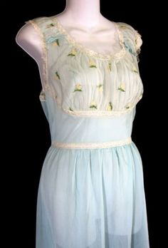 Seamprufe-Nylon-Blue-Vintage-Nightgown-Lace-Sz-34-USA-Embroidered-Chiffon-Bodice