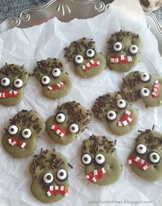 It's time for a super cute and fun ZOMBIE cookie using Rold Gold Pretzel Thins ! I made these fun pretzel dipped cookies despite my last . Zombie Cookies, Halloween Cookies, Halloween Treats, Halloween Party, Pretzel Thins, Pretzel Cookies, Pretzel Dip, Party Platters, Samhain