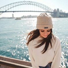 Image in city 🌇 🏛 🌃 🌉 collection by 𝑁𝑢𝑈𝑟 𝑆𝑎𝑙𝑎ℎ♕ Fashion Photography Poses, Tumblr Photography, Jessica Conte, Jess And Gabe, Photo Editing Vsco, Foto Casual, Stylish Girl Pic, Insta Photo Ideas, Brunette Girl