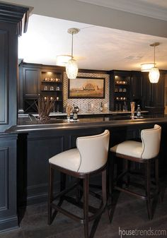Installing a bar in your home is a great way to make sure that when you have company over everybody has a fun place to spend time together. A dedicated bar spac Basement Bar Plans, Basement Bar Designs, Home Bar Designs, Basement House, Basement Renovations, Home Remodeling, Basement Ideas, Basement Ceilings, Basement Kitchenette