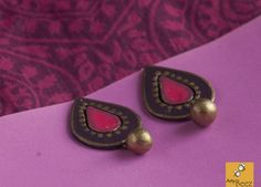 Product Code -   pink Earr - G09    Product details - terracotta clay, hand painted  Size - Around 1 inch    You can choose ur own color, shape & design as per ur dress