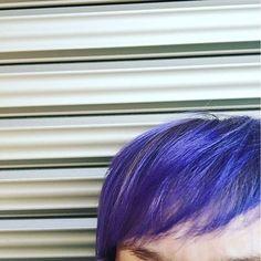 WEBSTA @ yu_kolohe - #地球は青かった いやいや#やっぱり#あたしの髪は#青かった#派手髪#マニックパニック#マニパニ