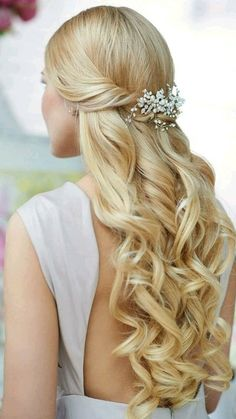 The Ultimate Hairstyle Handbook Everyday Hairstyles for the Everyday Girl Braids, Buns, and Twists! Step-by-Step Tutorials Elegant Hairstyles, Braided Hairstyles, Wedding Hairstyles, Cool Hairstyles, Hairstyle Ideas, Communion Hairstyles, Cut Her Hair, Long Curls, Hair Locks
