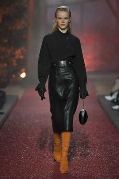 e0562ea782c03 Hermes  2018 RTW  fashiontrends  leather Autumn Winter Fashion