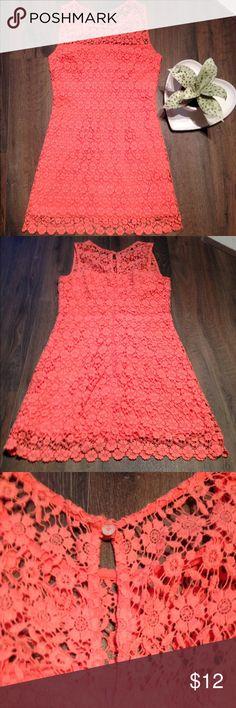 Hollister Crochet Sleeveless Dress Size 00 Size 00. 100% cotton, hidden zipper and Button closure. Hollister Dresses