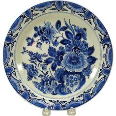Vintage Porcelaine de Fles Dutch Delft wall plate florals from quirkyantiques on Ruby Lane White Dishes, White Plates, Blue Plates, Blue And White China, Love Blue, Blue China, Delft, Blue Pottery, Plate Design