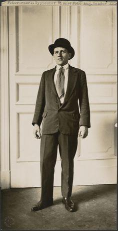 Typical Viennese man (Typischer Wiener).; August Sander (German, 1876 - 1964); about 1930; Gelatin silver print; 24.8 x 13 cm (9 3/4 x 5 1/8 in.); 84.XM.126.32; Copyright: © J. Paul Getty Trust