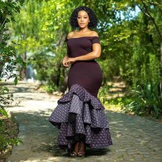 is an African fashion and lifestyle website that showcase trendy styles and designs, beauty, health, hairstyles, asoebi and latest ankara styles. Long African Dresses, Latest African Fashion Dresses, African Print Dresses, African Print Fashion, African Clothes, African Prints, Setswana Traditional Dresses, South African Traditional Dresses, Traditional Wedding