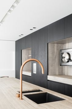 Home Interior 2019 Grey Kitchen Designs, Interior Design Kitchen, Apartment Interior, Interior Design Living Room, Küchen Design, House Design, Casa Top, Dutch Kitchen, Cheap Bedroom Decor