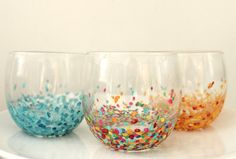 radical possibility: Easy Anthropologie Confetti Tumblers hmmmmmm might have to try one day
