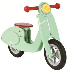 Retro Vespa-Roller: Laufräder aus Holz